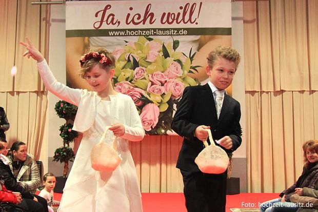 https://www.lausitz-branchen.de/medienarchiv/cms/upload/2016/dezember/Hochzeitsmesse-Lausitz-2.jpg