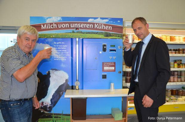 Milchtankstelle in Frauendorf von der Qualität der frischen Milch