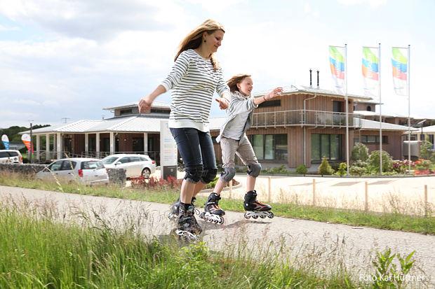 Touristen entdecken Elbe-Elster, wie hier am Elsterpark in Herzberg.https://www.lausitz-branchen.de/medienarchiv/cms/upload/2017/april/Elbe-Elster-Tourismus.jpg