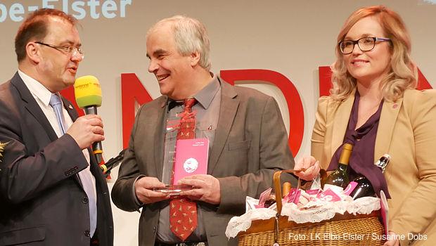 Brandenburgs Landwirtschaftsminister Jörg Vogelsänger gratulierte den Marketingpreis-Gewinnern aus Elbe-Elster