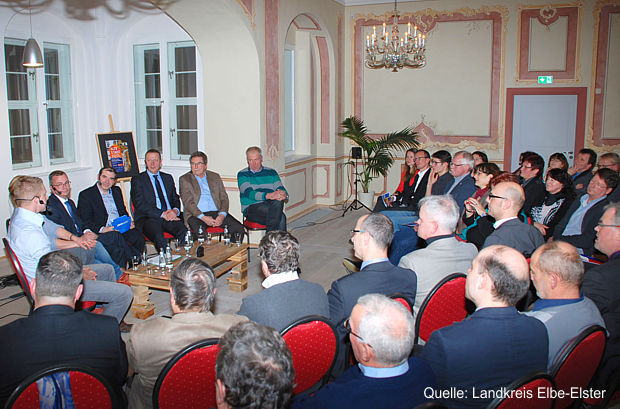 https://www.lausitz-branchen.de/medienarchiv/cms/upload/2017/januar/Podiumsdiskussion-mit-Handwerkern.jpg