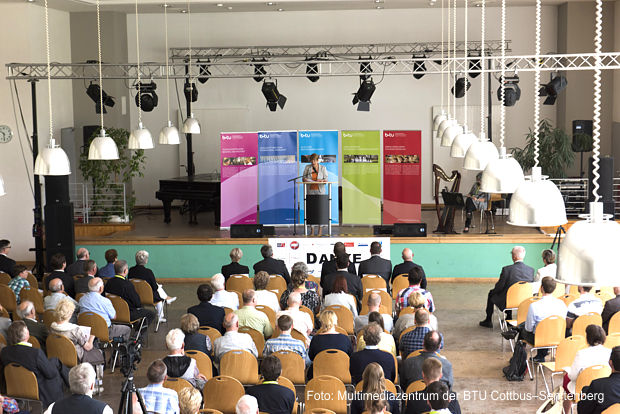 3.Festveranstaltung – Blick in den Saal während der Rede von Wissenschaftsministerin Dr. Martina Münch