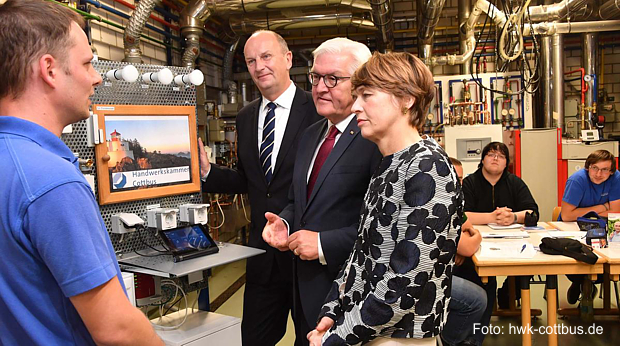 https://www.lausitz-branchen.de/medienarchiv/cms/upload/2017/juni/Bundespraesident-Steinmeier-HWK-Cottbus.jpg