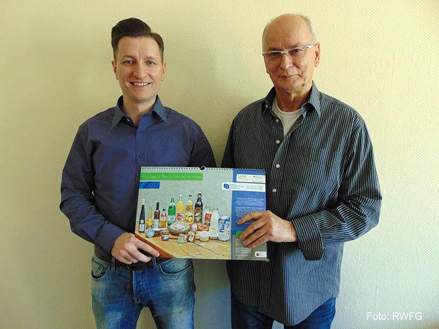 Tüfteln an der Umsetzung einer Vertriebsstruktur für regionale Produkte, Andreas Richter und Ulrich Wackernagel gemeinsam mit Franziska Wölkerling von der RWFG