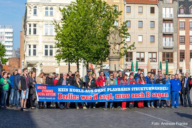 https://www.lausitz-branchen.de/medienarchiv/cms/upload/2017/mai/Demo-Braunkohleausschuss-Cottbus.jpg