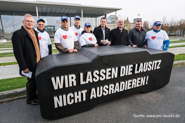 Lausitzpapier in Berlin überreicht