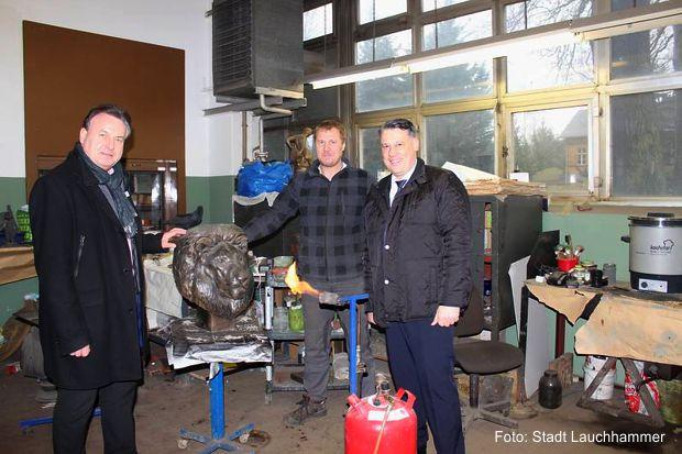 Foto: v.l.n.r. Bürgermeister Roland Pohlenz, Eugen Engelmann und Bürgermeister Christoph Schmidt