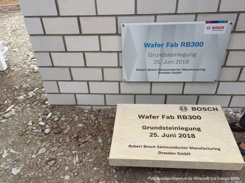 Grundsteinlegung für neue Halbleiterfabrik in Dresden
