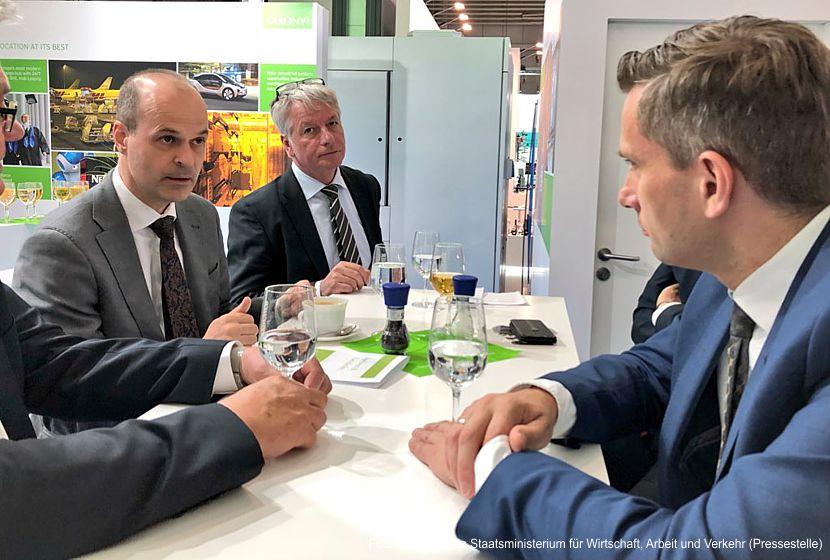 Wirtschaftsminister Dulig im Dialog mit Unternehmern
