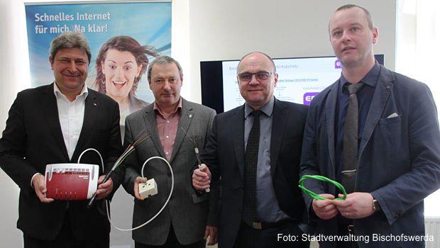 Rund 4.000 Info-Kabel-Kunden können ab 1. März 2018 zusätzlich via Fernsehkabel auf der Breitband-Internet-Autobahn zum Überholvorgang ansetzen.