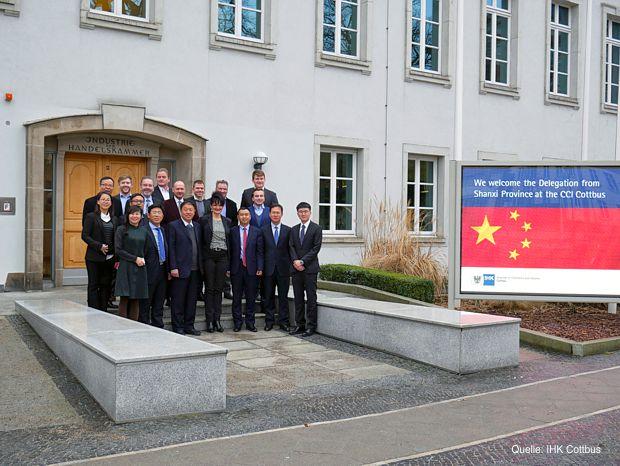 Wirtschafts- und Regierungsvertreter aus Chinas