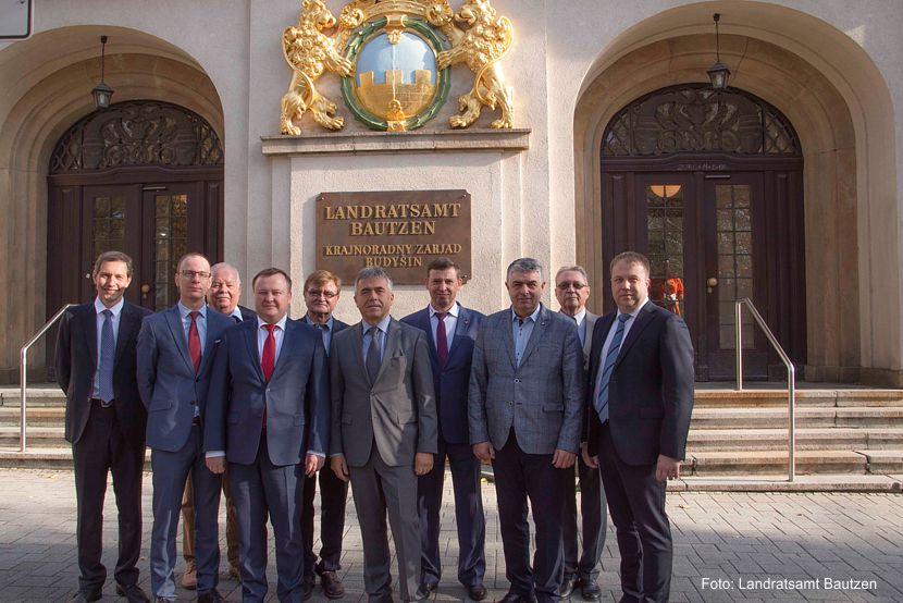 Delegierte aus Wirtschaft und Verwaltung der weißrussischen Hauptstadt Minsk besuchten das Landratsamt Bautzen. Bild Landratsamt Bautzen.