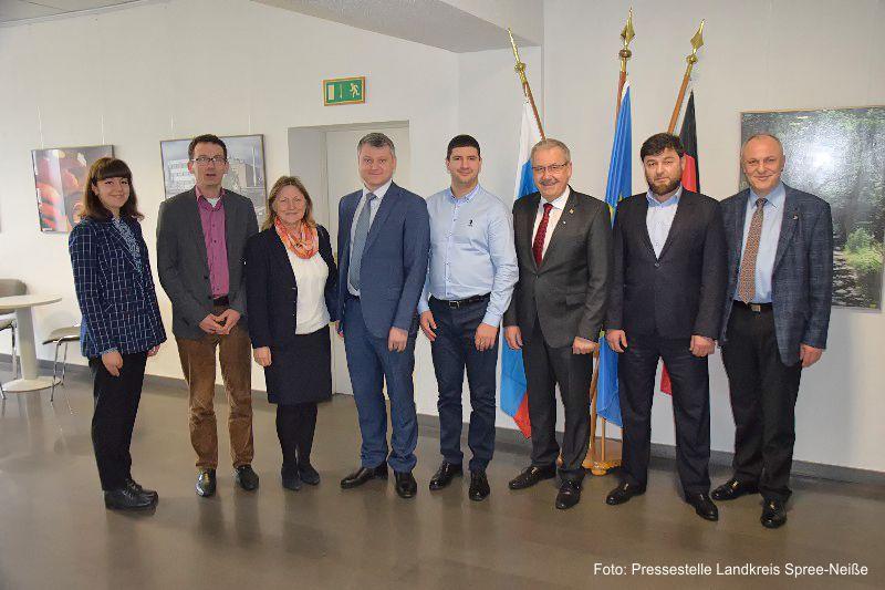 https://www.lausitz-branchen.de/medienarchiv/cms/upload/2020/02/russische-delegation-1.jpg