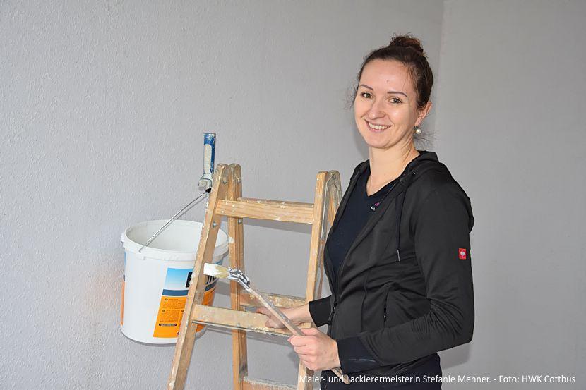 Maler- und Lackierermeisterin Stefanie Menner. - Foto: HWK Cottbus