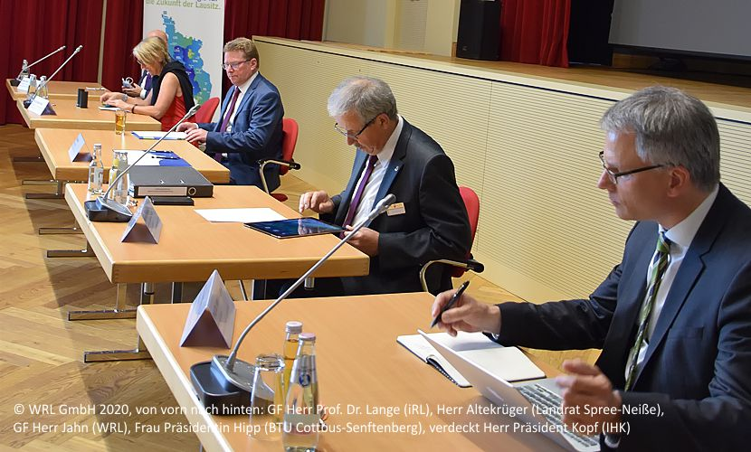 © WRL GmbH 2020, v.l.n.r.: Herr Präsident Kopf (IHK), Herr GF Jahn (WRL), Herr Prof. Dr. Lange (iRL), Frau Prof. Hipp (BTU Cottbus-Senftenberg), Herr Altekrüger (Landrat Spree-Neiße)