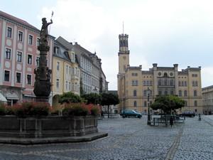 Zittauer Ingenieurbüro spendet für Rettung des Zittauer Epitaphienschatzes